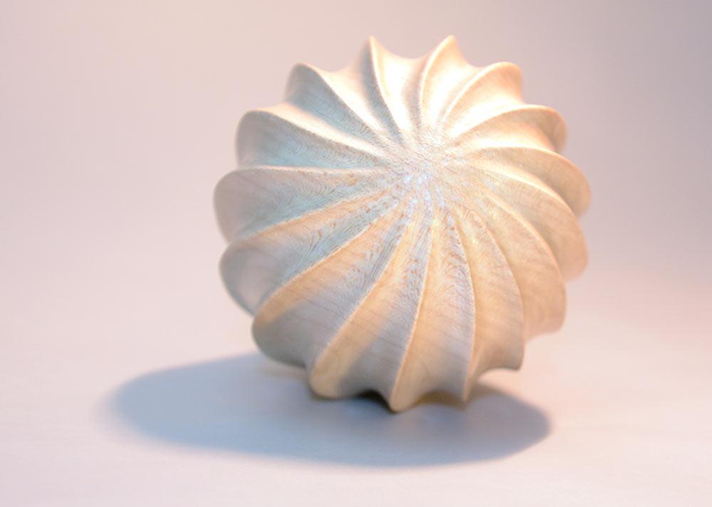 sculpture-bois-sycomore-graine-courbe-spirale2