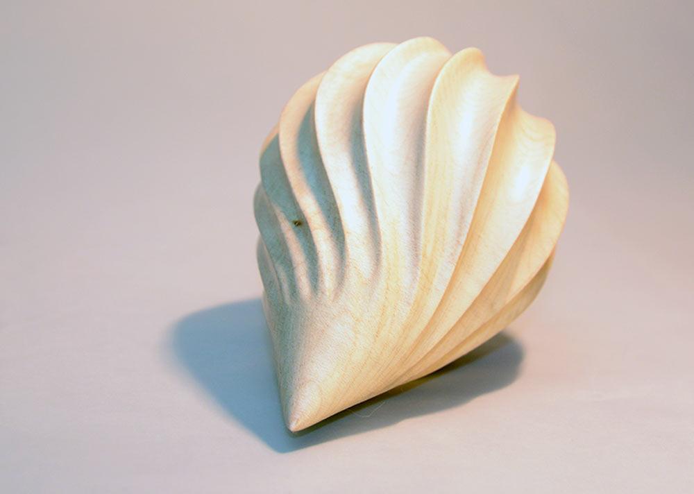 sculpture-bois-sycomore-graine-courbe-spirale3