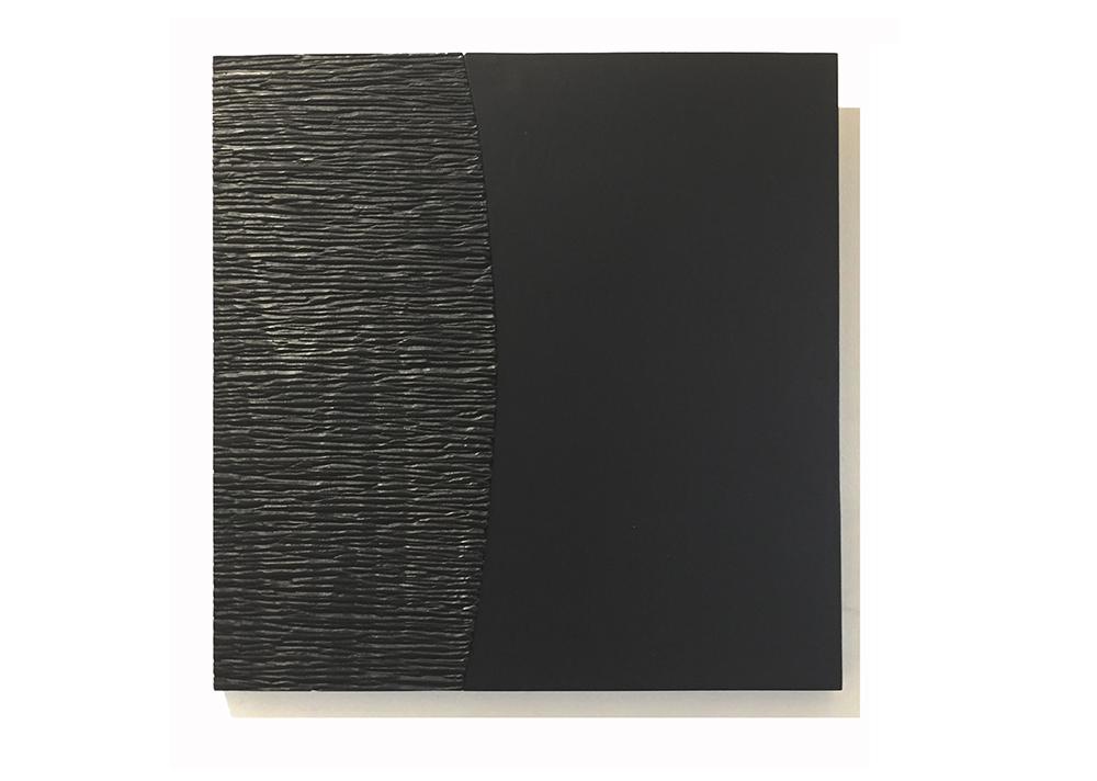 agnes k sculpture sur bois, panneau mural en hettre laqué noir et sculpté